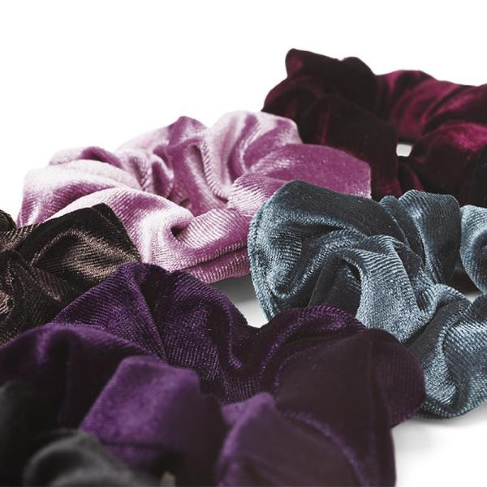 SUI AVA SMALL VELVET SCRUNCHIE